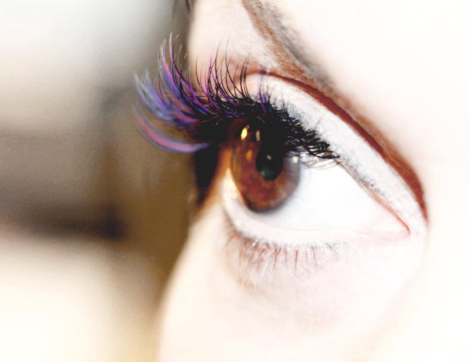 Correction and Colourful false eyelashes